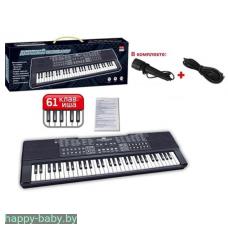 Синтезатор  с микрофоном, 61 клавиша, работает и от сети (USB), и от батареек, арт. ZYB-B3154